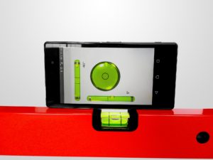 Wasserwage mit Smartphone